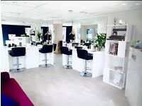 White high gloss Beauty Salon/Nail bar shop fittings immaculate condition.