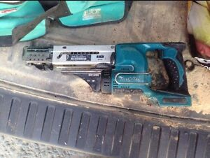 Collated screw gun with 2 batteries and charger Rothwell Redcliffe Area Preview