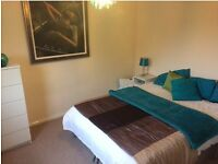 West end ensuite room 1 min walk from underground. All bills included.