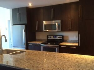 Luxor ll - 3 bedroom corner unit with AC - Available Nov 1st