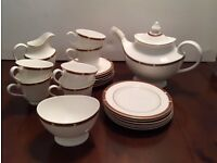 Stunning Marks And Spencer Royal Doulton Connaught Tea Pot set