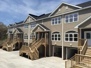 ALMOST BRAND NEW BUILD 4 BEDROOM TOWNHOUSE@@@