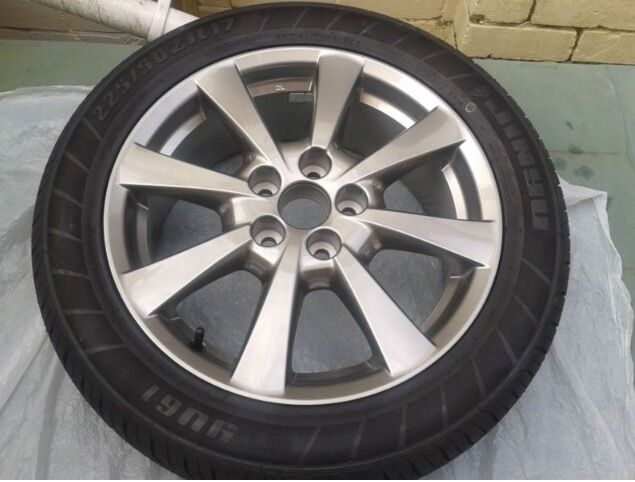 Genuine Toyota Avensis Brand New Alloy from Toyota Dealership with tyre