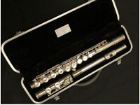 SYMPHONY FLUTE, WITH DELUXE CASE AND CLEANING ROD.