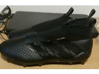 Adidas Laceless football boots in triple black(rare) UK size 8.5