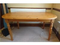 Pine dining table, excellent condition
