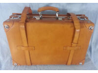 Vintage Giovanni Luggage pieces, Suitcases. 3 available