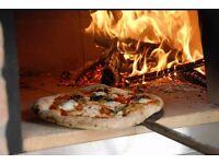 Pizza chef pizzaiolo/cook cuocere/ waiter Cameriere/waitress cameriera/ kitchen helper aiuto-cuoco