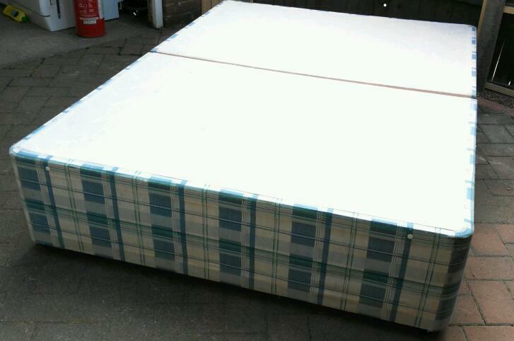 Checked Blue Double Divan 4ft 6 Ins Double Divan Bed Base In