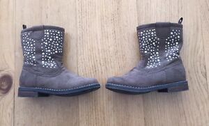 Toddler Brown Suede boots - Size 8