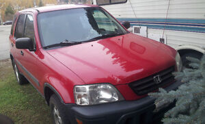 Red 2000 Honda CR-V SUV