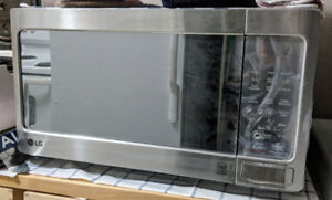 LG Microwave 1.1 Cu. Ft.