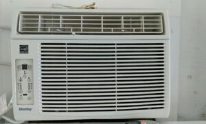 air conditioner  danby  12000btu/h