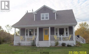 REDUCED Beautiful renovated waterfront home 3 acres, Southern NB