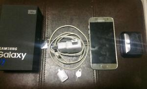 Samsung galaxy S7 TELUS 32gb w/ box and all accessories SILVER