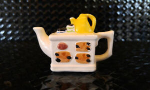 Miniature Red Rose Teapot - White Stove