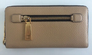 Marc Jacobs - Gotham Standard Continental Wallet in Sand