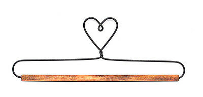 Ackfieldwire Heart 7.5 Inch Fabric Holder With Dowel