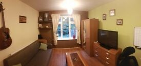 ***Nice double/triple bedroom for rent,in University campus, very close to City centre ***