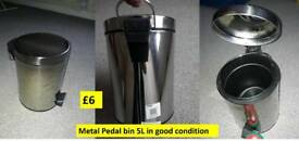 Metal Pedal bin in New condition