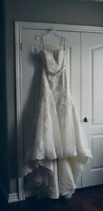 Beautiful Alfred Angelo lace wedding dress