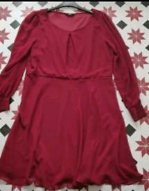 Berry chiffon dress 18/20
