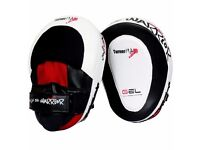 TurnerMAX Gel Focus Hook & Jab Pads Curved Pads for Boxing & Martial Arts Practice