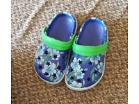 Girls croc style shoes size 6-7