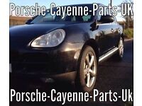 Porsche Cayenne 4.5 in black / breaking all parts available