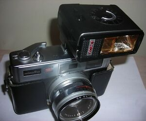 Vintage MINOLTA HI MATIC II c1969 Super 3 Circuit 35mm & FLASH