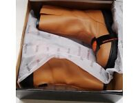 Safety Boots rigger style half rrp. only size 7 as per photo
