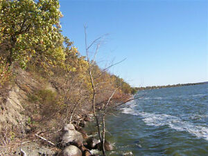 Lake front cottage lot, Pelican Lake, MB