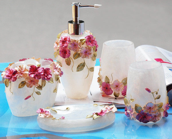 Epmc 3d flower design matching bathroom accessory set for Matching bathroom accessories sets