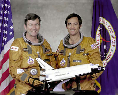 SPACE SHUTTLE STS-1 CREW 8x10 PHOTO NASA