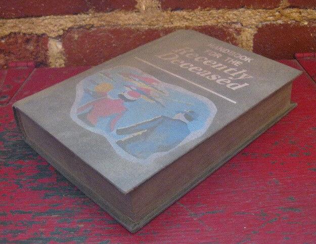 BEETLEJUICE HANDBOOK FOR THE RECENTLY DECEASED PROP 1:1 movie book replica otho