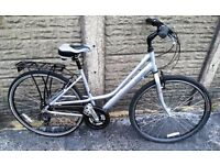 """LIGHTWEIGHT RALEIGH 18"""" LADIES HYBRID BIKE FULLY SERVICED COST £235 NEW"""