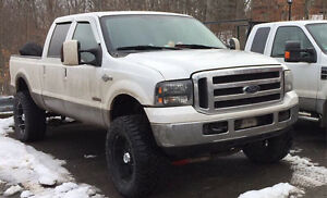 2004 Ford F-350 Super Duty King Ranch Crew Cab Pickup Truck
