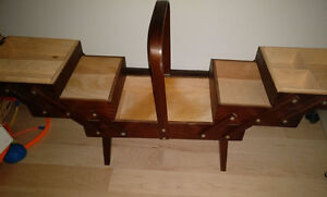 Wood Accordion Sewing Case, in very good, clean condition