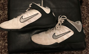 Nike running shoes size 6 youth