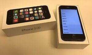 iPhone 5S  32GB UNLOCKED like new!