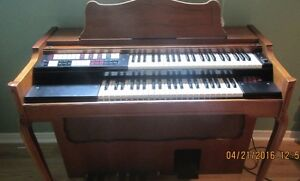 Lowery Organ