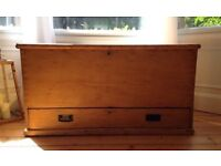 Pine chest Kist Victorian trunk with drawer blanket box
