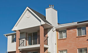 Updated 3 bedroom condo /w gas fireplace in White Oaks London Ontario image 3