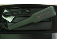 GHD WIDE PLATE Ceramic Hair Straightener with Heat Mat