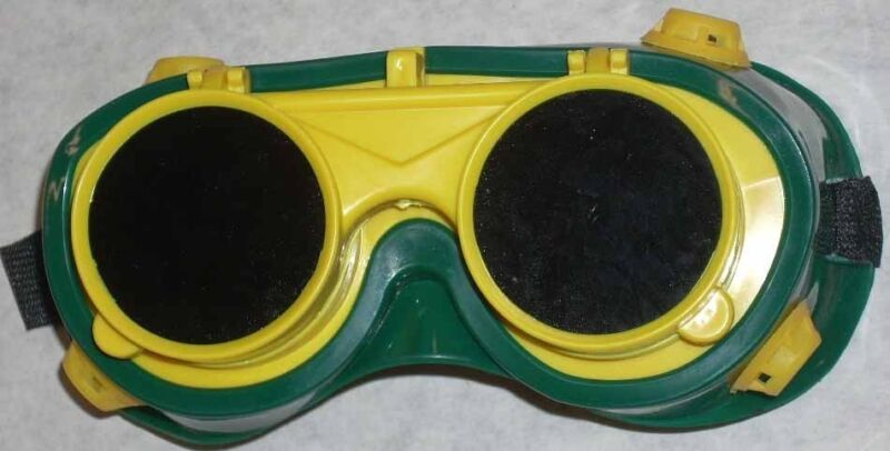 Green & Yellow Welding Goggles 50mm Round Flip Front Lens Shade 5