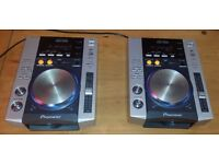 Pioneer CDJ 200 Pair (DJ Decks/CD Decks/DJ Equipment/Professional)