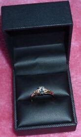 9Kt yellow gold natural aquamarine and diamonds ring