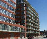 OPEN HOUSE SUNDAY! Byward Market Penthouse! 1102-383Cumberland