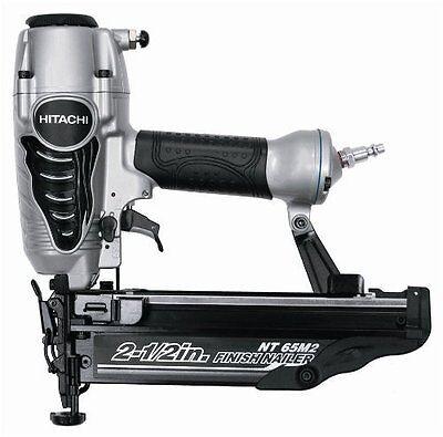 Hitachi 2.5 inch 16 ga straight Finish nailer NT65M2 nail gun + carrying case