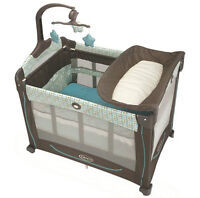 Travel Crib with Infant Nap Table and Change Table  FANTASTIC!!